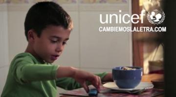 UNICEF ESPAÑA. ¿Planchar un lunes? cambiemoslaletra.com